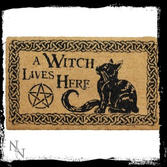 doormat A Witch Lives Here